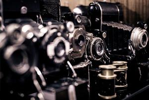 photography-371215_1280-cameras-old-vintage-film